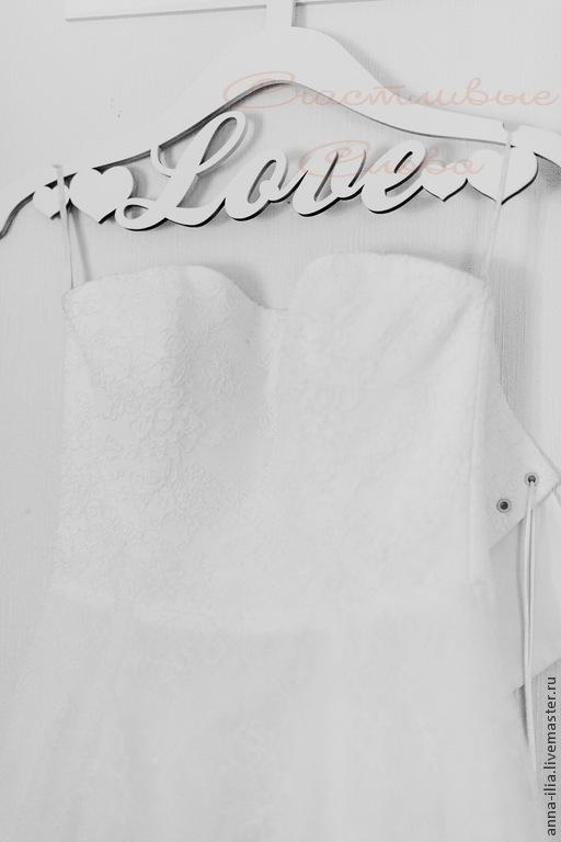 Одежда и аксессуары ручной работы. Ярмарка Мастеров - ручная работа. Купить Вешалка для свадебного платья.. Handmade. Белый, плечики
