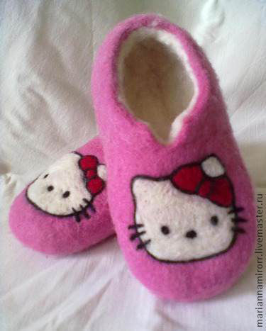 """Детская обувь ручной работы. Ярмарка Мастеров - ручная работа. Купить Валяные детские тапочки """" КИТТИ"""". Handmade."""