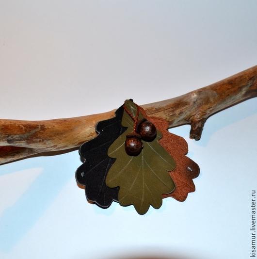 Броши ручной работы. Ярмарка Мастеров - ручная работа. Купить брошь в  форме листьев дуба с желудями натуральная кожа. Handmade.
