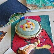 Зеркала ручной работы. Ярмарка Мастеров - ручная работа Яркое зеркальце с микровышивкой + чехол. Handmade.