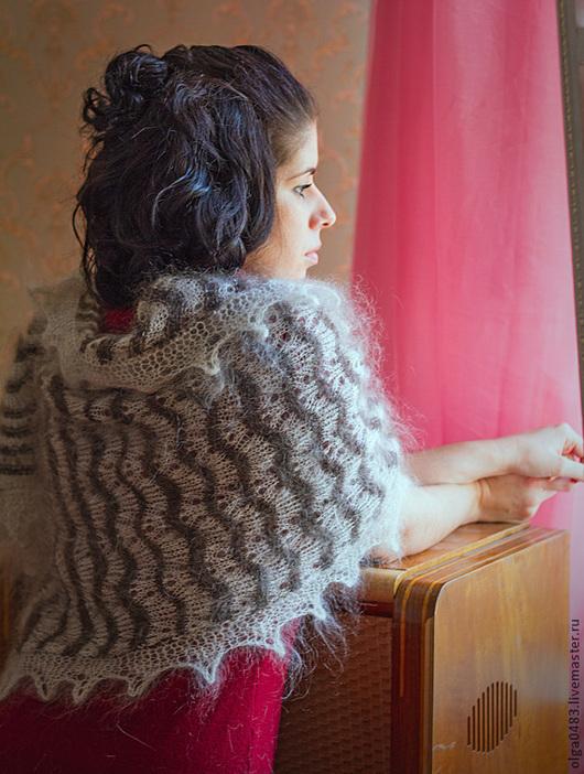 """Шали, палантины ручной работы. Ярмарка Мастеров - ручная работа. Купить палантин двухцветный """"ВОЛНЫ"""". Handmade. Серый, пуховый платок"""