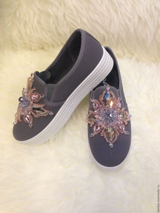 Обувь ручной работы. Ярмарка Мастеров - ручная работа. Купить Эксклюзивные слипоны С-4. Handmade. Серый, слипоны с камнями