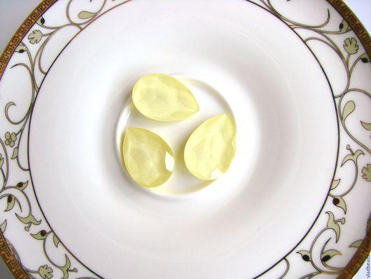 Для украшений ручной работы. Ярмарка Мастеров - ручная работа. Купить Капли Swarovski 30х20мм Powder Yellow. Handmade.