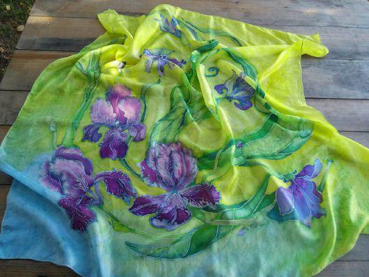 Шали, палантины ручной работы. Ярмарка Мастеров - ручная работа. Купить Шёлковый платок батик Ирисы. Handmade. Салатовый