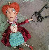 Куклы и игрушки ручной работы. Ярмарка Мастеров - ручная работа Червонная Королева («Алиса в Стране чудес»). Handmade.
