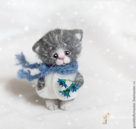 Игрушки животные, ручной работы. Ярмарка Мастеров - ручная работа. Купить котенок Алиса и васильки:) (повтор). Handmade. Серый