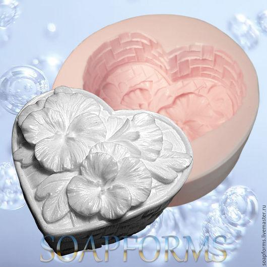 Силиконовая форма для мыла `Цветочное сердце 3 (Фиалки, виолы)`