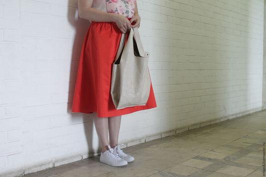 Женские сумки ручной работы. Ярмарка Мастеров - ручная работа. Купить сумка-пакет из натуральной кожи бежевая. Handmade. Бежевый
