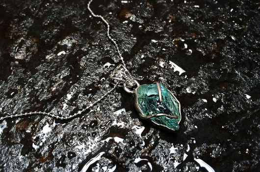 Кулоны, подвески ручной работы. Ярмарка Мастеров - ручная работа. Купить Изящная серебряная подвеска с кристаллом аквамарина. Handmade. Голубой