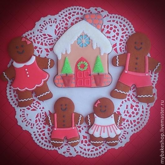 """Кулинарные сувениры ручной работы. Ярмарка Мастеров - ручная работа. Купить """"Gingerbread family"""" набор новогодних пряников - козуль. Handmade."""