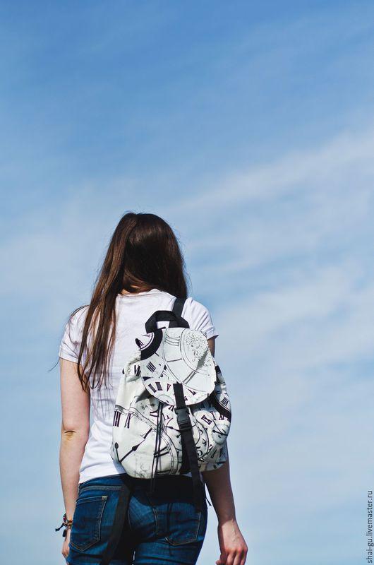"""Рюкзаки ручной работы. Ярмарка Мастеров - ручная работа. Купить рюкзак женский из ткани """"Часы"""". Handmade. Чёрно-белый"""