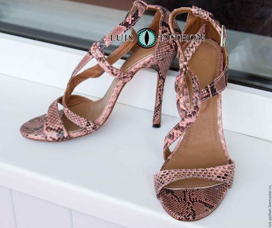 Обувь ручной работы. Ярмарка Мастеров - ручная работа. Купить Босоножки из кожи питона. Handmade. Коралловый, обувь из кожи питона