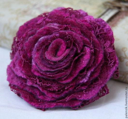 """Броши ручной работы. Ярмарка Мастеров - ручная работа. Купить Валяная брошь """"Малиновая роза"""". Handmade. Брошь, брошка"""