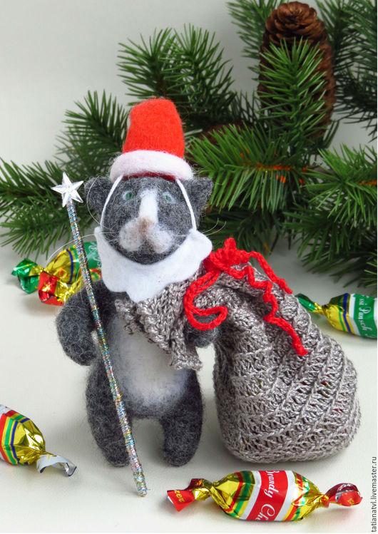 Игрушки животные, ручной работы. Ярмарка Мастеров - ручная работа. Купить Дед Мороз. Кот из шерсти, Кот Дед Мороз. Новогодний подарок. Handmade.