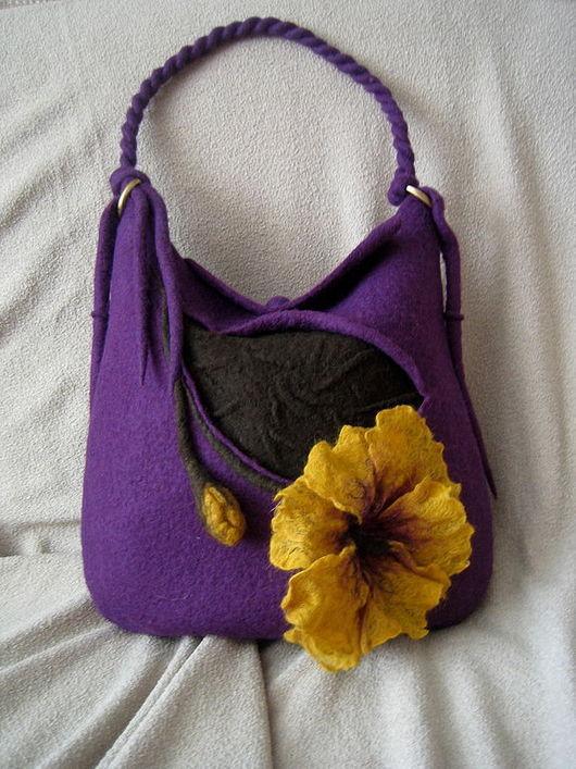 """Женские сумки ручной работы. Ярмарка Мастеров - ручная работа. Купить Валяная сумка """" Фиолетовый каприз"""". Handmade."""