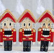 Народные украшения ручной работы. Ярмарка Мастеров - ручная работа Щелкунчик(13,5 см) игрушка деревянная. Handmade.