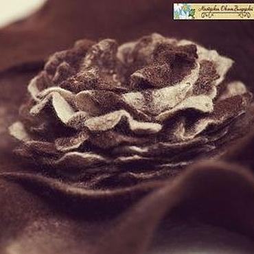 """Цветы и флористика ручной работы. Ярмарка Мастеров - ручная работа Войлочная брошь  """"Шоколадная роза"""". Handmade."""