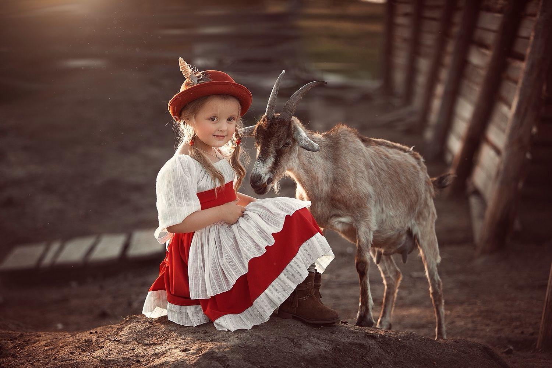 Альпы, баварский костюм для девочки. Красное платье, фартук, вышивка, Платья, Санкт-Петербург,  Фото №1
