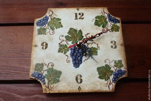 """Часы для дома ручной работы. Ярмарка Мастеров - ручная работа. Купить Часы """"Виноград для Лены"""". Handmade. Тёмно-фиолетовый, для интерьера"""