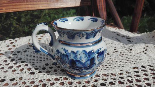 ...изысканная расписная фарфоровая чашечка, производства Гжельских мастеров,...прошлый век... ...сочная, неповторимая  авторская роспись!!! ...элегантная  позолота!!!