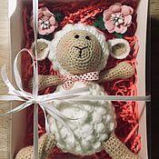 Мягкие игрушки ручной работы. Ярмарка Мастеров - ручная работа Овечка амигуруми - подарок маленькой принцессе. Handmade.