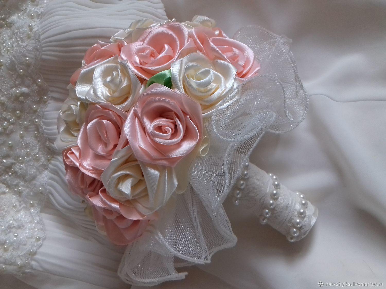 Букет для гостей невесты из атласных лент фото