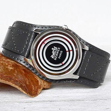Украшения ручной работы. Ярмарка Мастеров - ручная работа Наручные часы на сером кожаном браслете. Handmade.