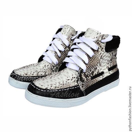 Кроссовки из питона Дизайнерские кроссовки из питона. Спортивная обувь на заказ. Модные кроссовки из питона. Стильные кроссовки из питона на весну. Кроссовки из кожи питона. Летние кроссовки из питона