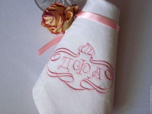 Вышитые салфетки, Салфетки с вышивкой,  Вышитая салфетка, Вышитая скатерть, Именной подарок, Именная вышивка, Монограмма, Подарок на свадьбу