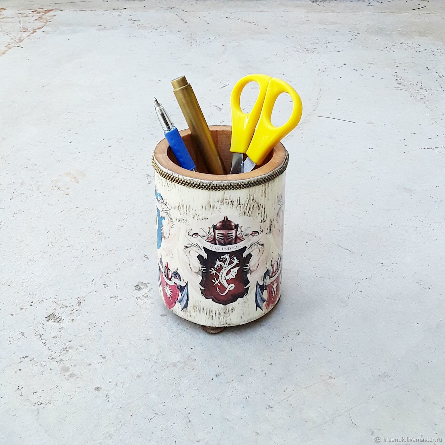 Game of Thrones: coats of arms, pencil holder – shop online on Livemaster  with shipping - IXKO9COM | Novosibirsk