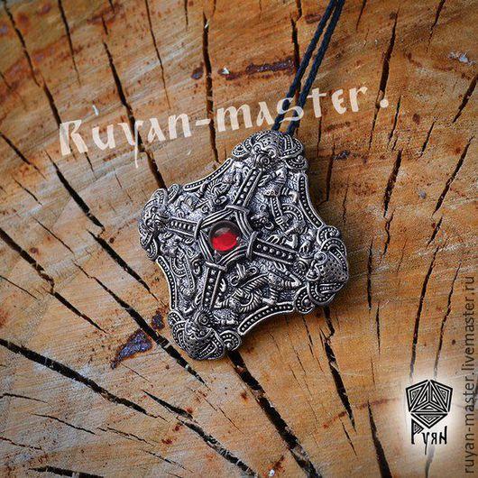 Скандинавская фибула серебро с гранатом