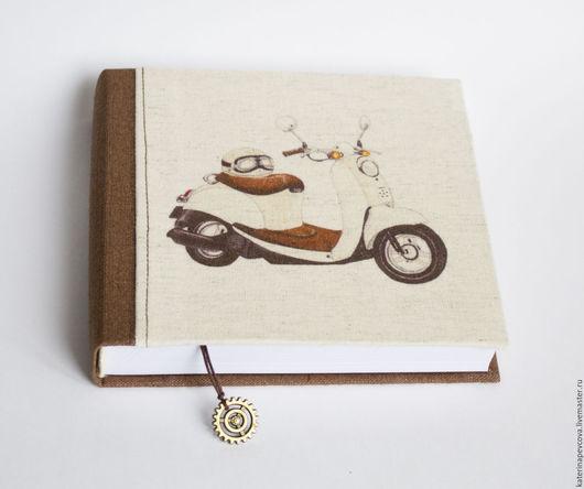 Блокноты ручной работы. Ярмарка Мастеров - ручная работа. Купить Скетчбук с мопедом. Handmade. Бежевый, блокнот ручной работы