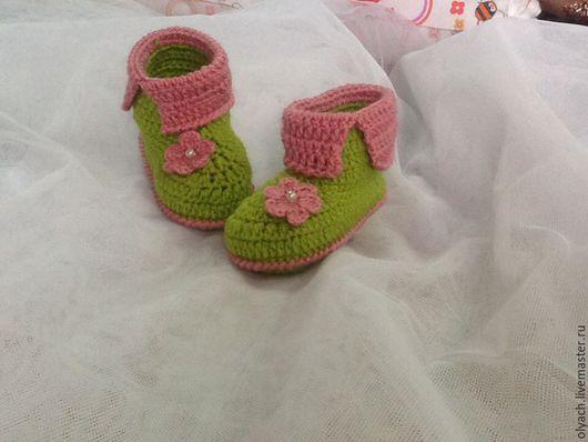 Для новорожденных, ручной работы. Ярмарка Мастеров - ручная работа. Купить пинетки для малышей. Handmade. Зеленый, первая обувь