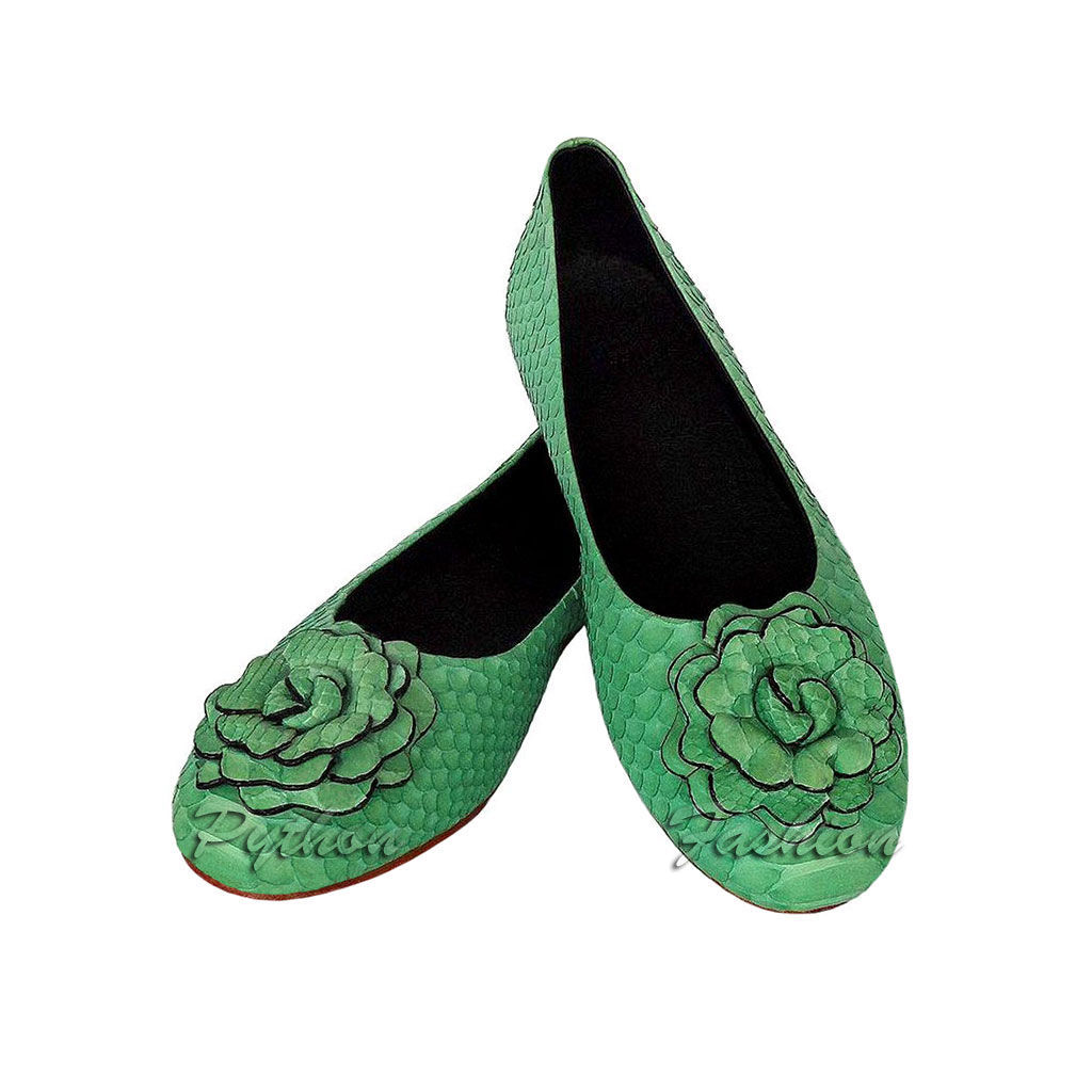 Ballet flats from Python. Fashionable ballerina pumps Python flower. Lightweight women's shoes from Python. Designer shoes from Python with handmade decor. Colorful, stylish ballet flats from Python.