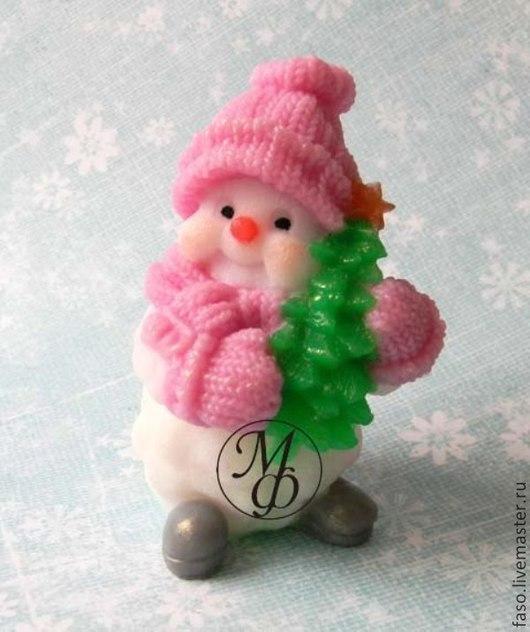 Другие виды рукоделия ручной работы. Ярмарка Мастеров - ручная работа. Купить Силиконовая форма Снеговик с елкой. Handmade. Розовый