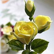 Украшения ручной работы. Ярмарка Мастеров - ручная работа Нежно-лимонные бутоны роз (зажим для волос). Handmade.