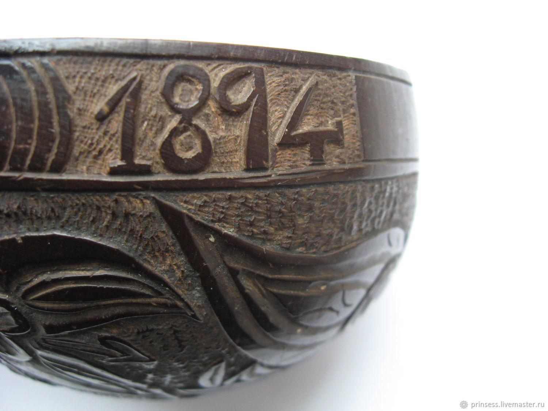 Винтаж: 1894 год сувенир из кокоса оригинал резьба, Винтажные предметы интерьера, Калининград, Фото №1