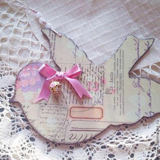 Подарки для влюбленных ручной работы. Ярмарка Мастеров - ручная работа. Купить Птичка подвеска с бубенчиком декупаж. Handmade. Розовый