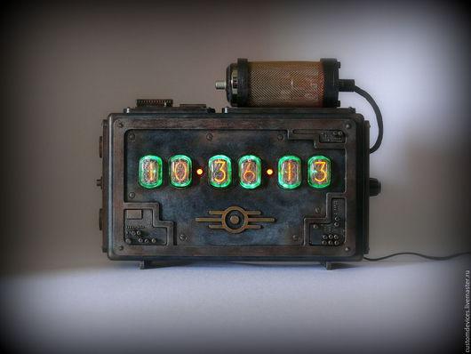 """Подарки для мужчин, ручной работы. Ярмарка Мастеров - ручная работа. Купить Ламповые часы """"Fallout"""" №8. Handmade. Часы интерьерные"""