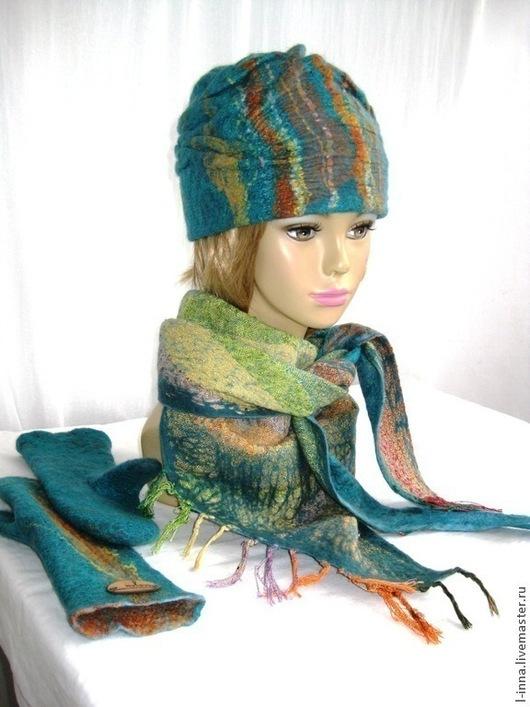 Шапки ручной работы. Ярмарка Мастеров - ручная работа. Купить Изумруд в складочку варежки шапка и бактус валяный. Handmade.