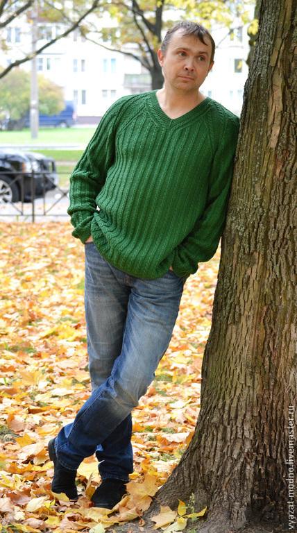 Для мужчин, ручной работы. Ярмарка Мастеров - ручная работа. Купить Мужской пуловер из резинки с косами. Handmade. Зеленый