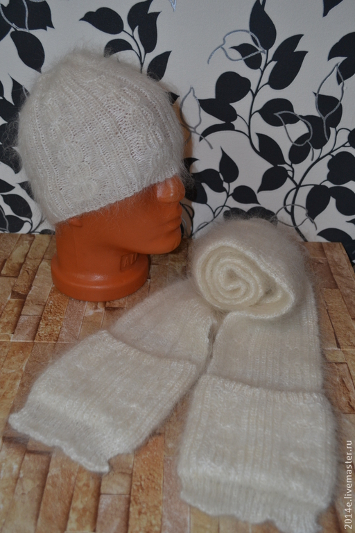 Комплекты аксессуаров ручной работы. Ярмарка Мастеров - ручная работа. Купить Комплект шапка и шарф вязаный пуховый. Handmade. Белый