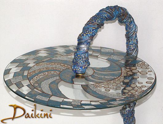 """Мебель ручной работы. Ярмарка Мастеров - ручная работа. Купить Столик """"Голубая спираль"""". Handmade. Синий, стекло, контуры"""