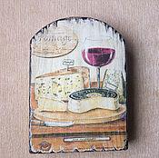 """Посуда ручной работы. Ярмарка Мастеров - ручная работа Сырная досочка из вяза """"Сыры"""". Handmade."""