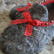 "Обувь ручной работы. Ярмарка Мастеров - ручная работа Валяные тапочки ""Steps to the Christmas"". Handmade."