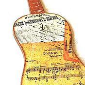"""Для дома и интерьера ручной работы. Ярмарка Мастеров - ручная работа Ключница """"Гитара"""" (ключница декупаж, вешалка для ключей) декупаж. Handmade."""