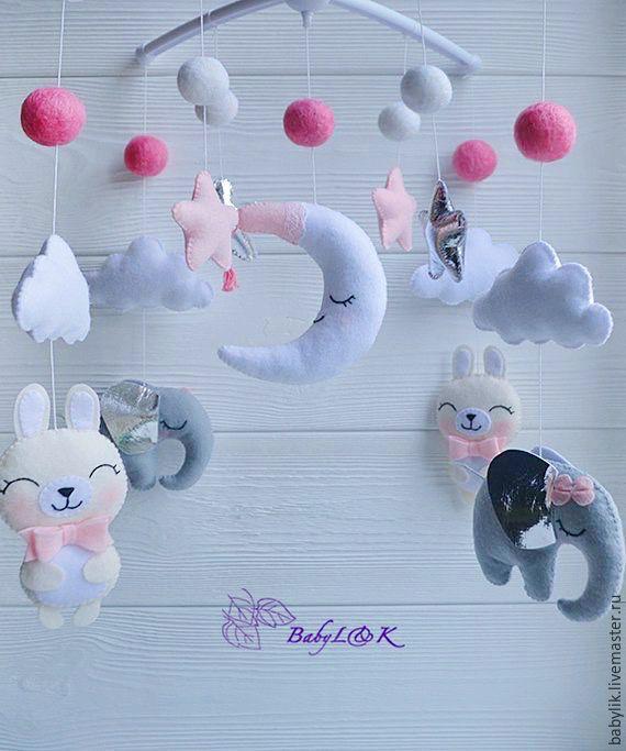 Игрушки над кроваткой новорожденных своими руками