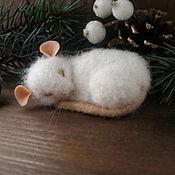 Украшения ручной работы. Ярмарка Мастеров - ручная работа Белая мышка брошь.. Handmade.