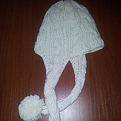 Аксессуары ручной работы. Ярмарка Мастеров - ручная работа Шапка вязаная с ушками и помпонами. Handmade.