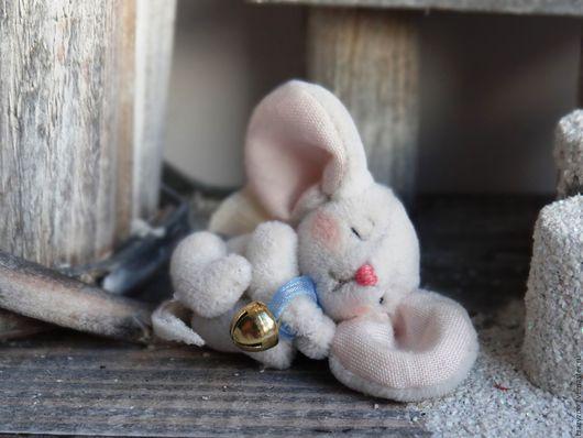 Игрушки животные, ручной работы. Ярмарка Мастеров - ручная работа. Купить Маленький спящий мышонок с большими ушами. Handmade. Белый